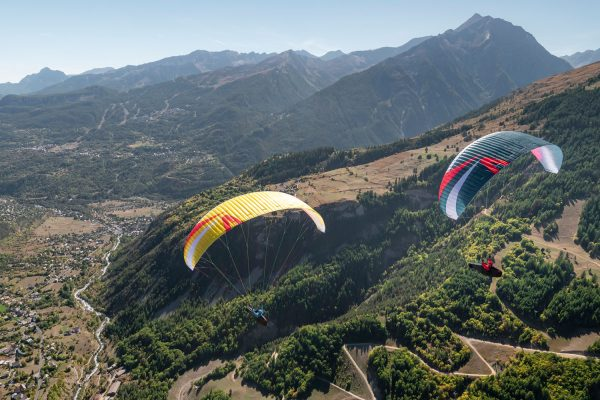 UK Airsports and Skywalk demo ARAK gliders